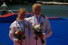 bronzové Adéla s Barborou